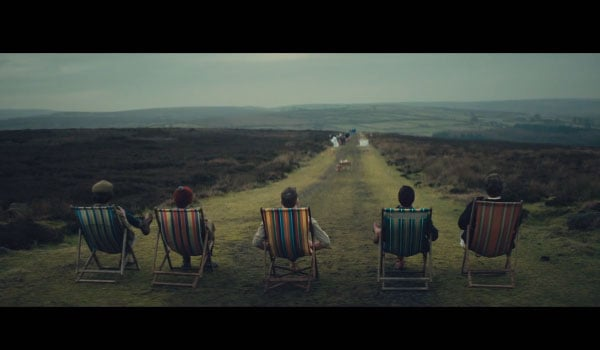 Kaiser Chiefs Coming Home music video