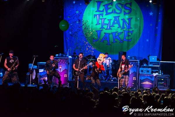 Reel Big Fish / Less Than Jake / Ballyhoo @ Best Buy Theater, NYC (35)