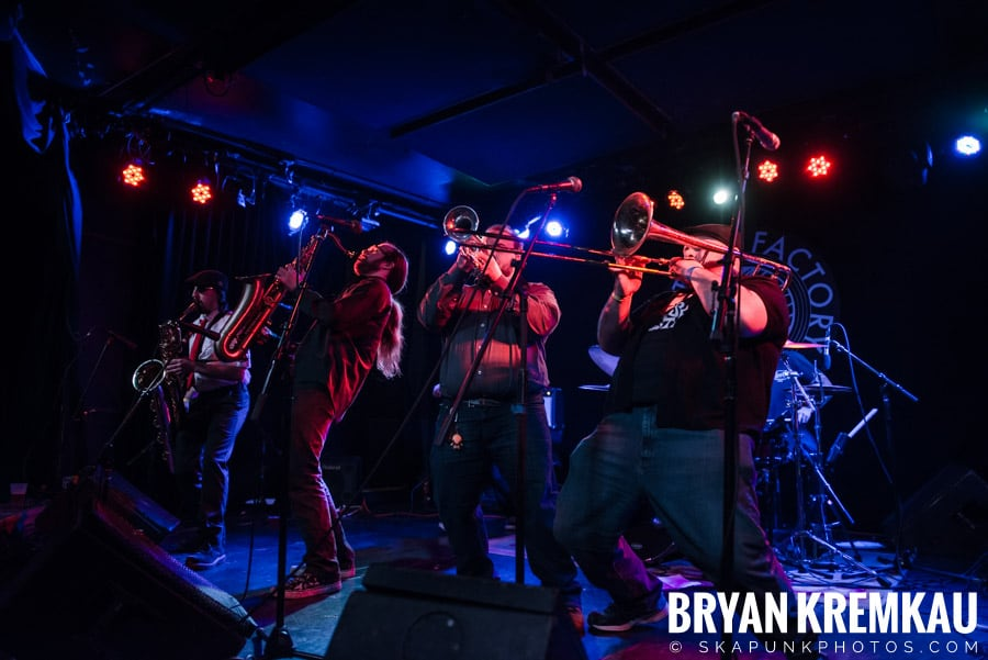 The Porkers, The Pandemics, The Rudie Crew, Skarroñeros @ Knitting Factory, Brooklyn, NY (40)