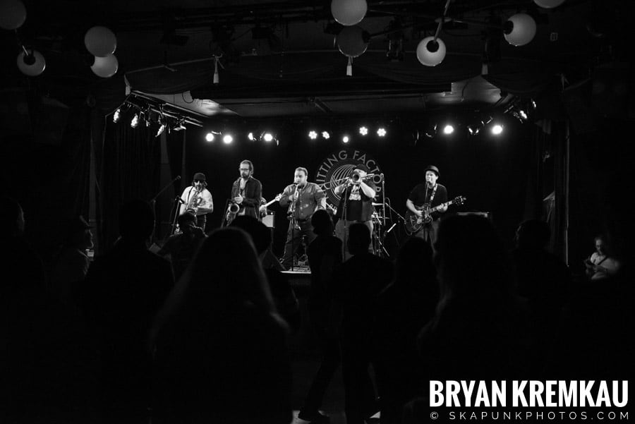 The Porkers, The Pandemics, The Rudie Crew, Skarroñeros @ Knitting Factory, Brooklyn, NY (35)