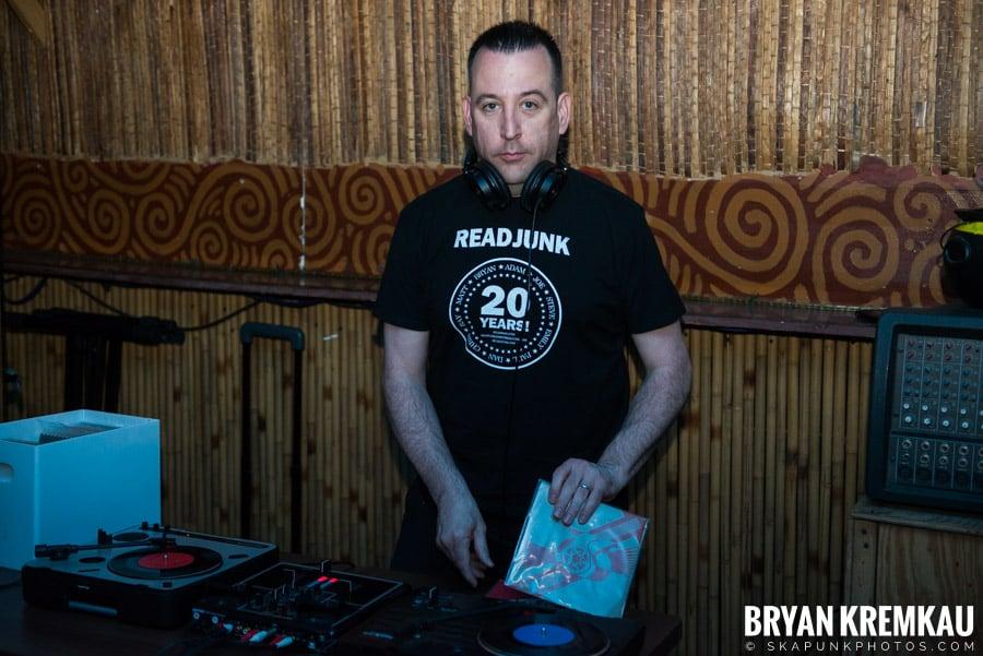 ReadJunk 20th Anniversary Party @ Otto's Shrunken Head, NYC (54)