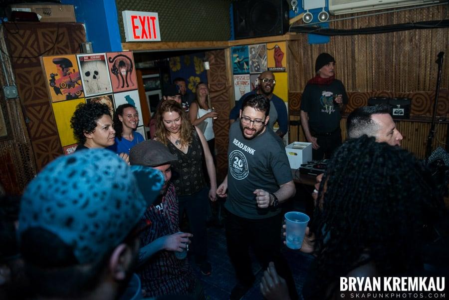 ReadJunk 20th Anniversary Party @ Otto's Shrunken Head, NYC (7)