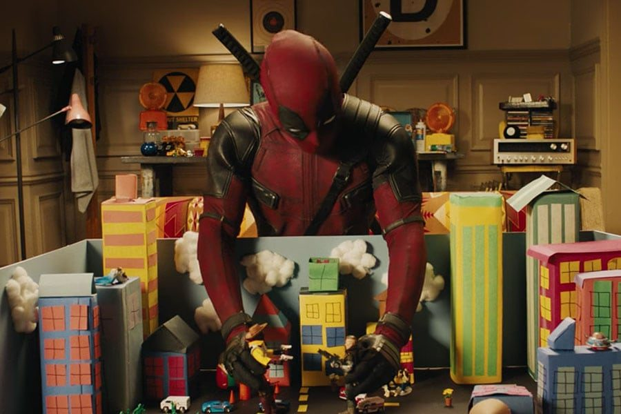 Ryan Reynolds Shares Flashy New 'Deadpool 2' Poster